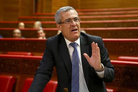 وزير العدل المغربي يخفف العبء عن مغاربة الخارج